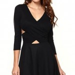 Vestido feminino evasê com X frontal preto modelo Sommer