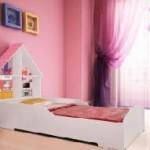 Cama infantil Casinha Branca e Rosa Gelius personalizada
